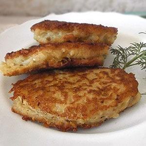 Рецепт картофельных драников с грибами - фото