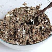 Добиваемся густой консистенции грибного фарша для котлет - фото