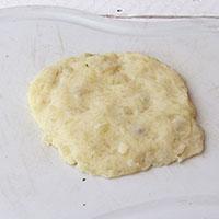 Лепим зразы из картофельного пюре - фото