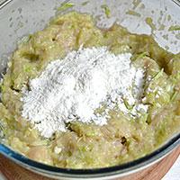 курино-кабачковый фарш вымесим - фото