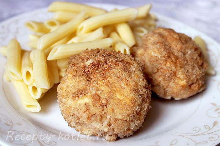 Готовые курино-сырне котлеты из духовки