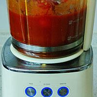 Делаем томатную подливку для тефтелей - фото