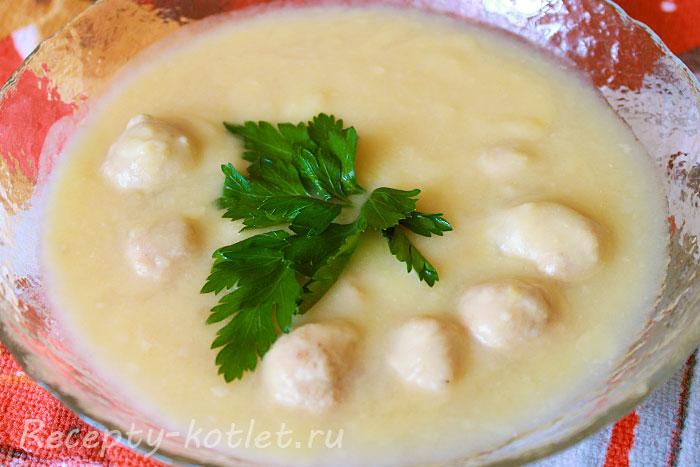 Гороховый суп с фрикадельками - итоговое фото