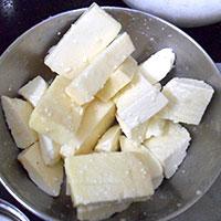 Готовим сыр для котлет - фото