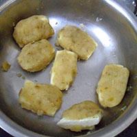 Лепим картофельные котлеты с сыром - фото