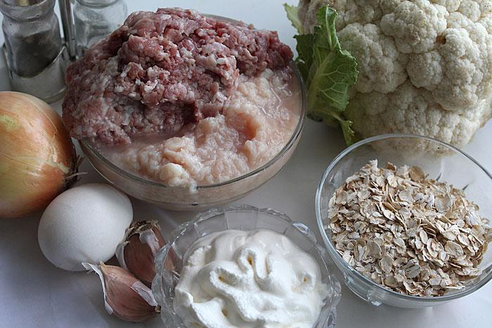 Ингредиенты для котлет из цветной капусты с фаршем