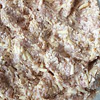 Вымешиваем сырно-мясной фарш с овсянкой - фото